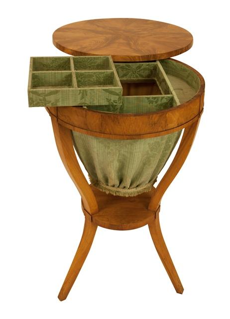 regine schmitz avila die biedermeierspezialistin in wiesbaden n htische. Black Bedroom Furniture Sets. Home Design Ideas